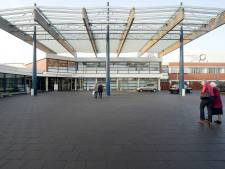 Bezoekers ziekenhuis Winterswijk verontrust over sluiten afdelingen: 'Ik schrok ervan'