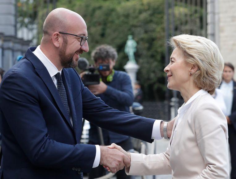 Het was de eerste keer dat Michel en von der Leyen elkaar ontmoetten.