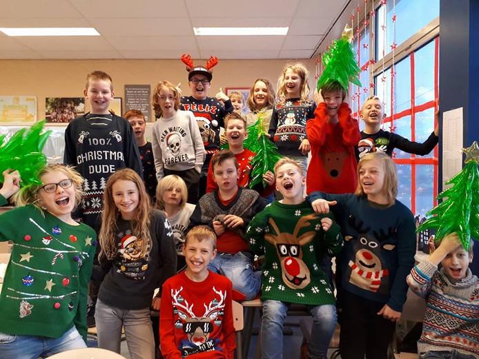 Foute Kersttrui Dag.Klas Geervliet Dag Eerder In Kersttrui Naar School Voorne Putten