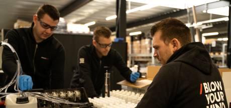 Magic FX maakt normaal gigantische confettikanonnen, nu vult Boxtels bedrijf flesjes handlotion