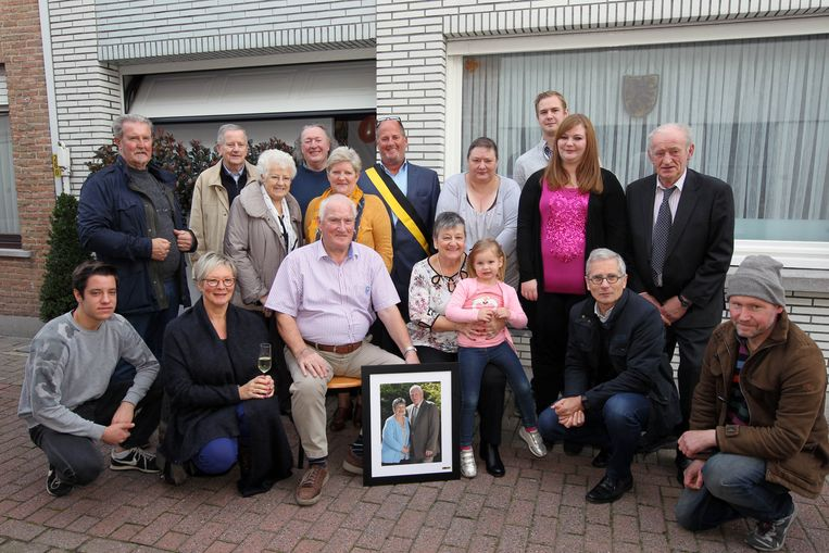 De familie Lippens in de Vlamingstraat in Eeklo.