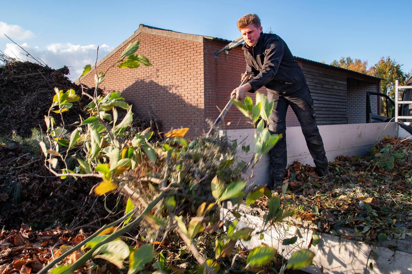 Cas van Dijck uit Haghorst was een van de ondernemers die eind oktober te horen kreeg dat hij minstens een half jaar moest wachten voordat zijn verzoek in behandeling genomen zou worden. Hij heeft sindsdien niets vernomen van de gemeente.