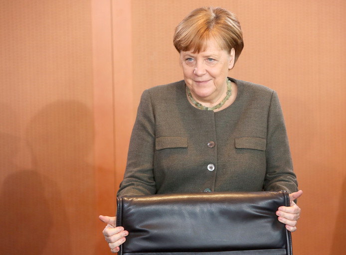 De regering van bondskanselier Angela Merkel peinst er niet over om in te gaan op het Griekse verzoek.