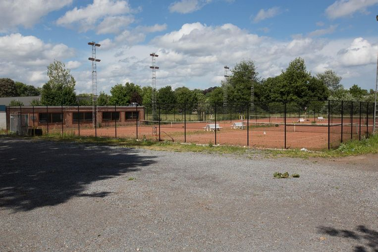 De gemeente gaat opnieuw op zoek naar investeerders voor de exploitatie van een tenniscomplex.