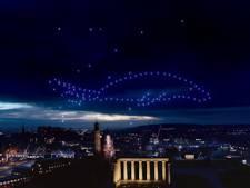 Le superbe spectacle de drones dans le ciel d'Édimbourg