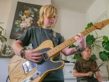 Boaz (11) wordt gitarist. Zeker weten. En zijn voorbeeld? Joe Bonamassa