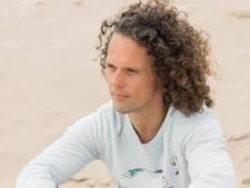 Oud-Helmonder Jeroen van den Berg gezicht Top 2000 Live