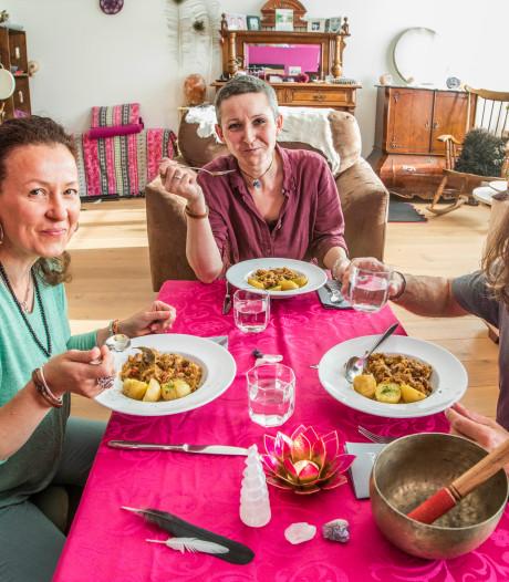 Etentje bij Asameé Szczupak is een spirituele ontmoeting: 'Zielsverwanten proeven het geluk'