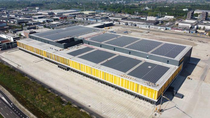 Zonnepanelen op het nieuwe distributiecentrum van Jumbo in Nieuwegein.