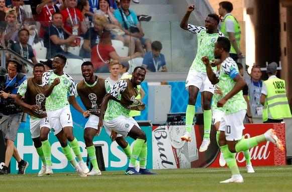 De vreugde was groot bij de Nigerianen.