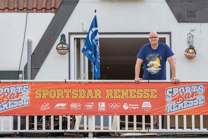 Marco Berrevoets op de plek waar zijn sportbar komt.