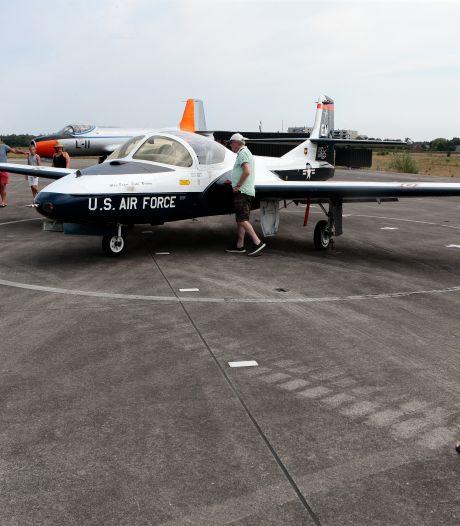 Dit is waarom vliegtuigspotters massaal naar Soesterberg komen, zelfs uit Duitsland en Engeland