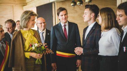 Gents burgemeester blijft tricolore sjerp dragen. Ook collega's doen 'geen zotte kosten'