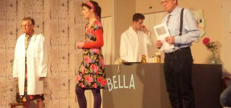 Komische situaties in de schoonheidssalon van Tante Bella