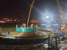 Windpark Zeewolde stort eerste fundering voor Flevolandse windreuzen van 220 meter hoog