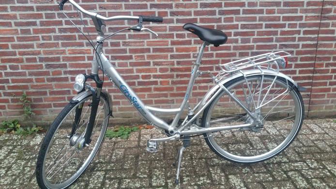 De vermoedelijk gestolen fiets (1).