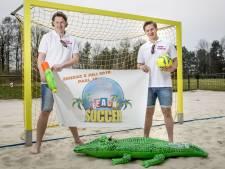 Sfeervolle dag voor beachvoetballers  op nieuwe locatie Vondellaan in Oldenzaal