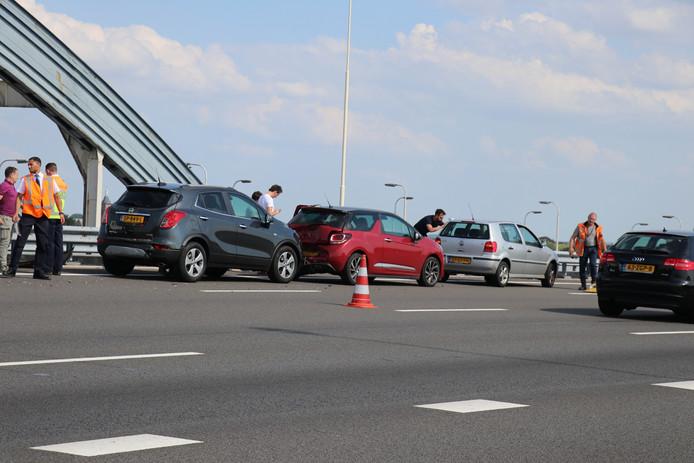 Het ongeluk op de A2 veroorzaakte een kilometerslange file.