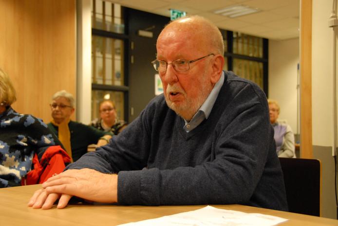 Karel Stoffels deed in het kort verslag van de jongste aflevering van de Groensnoeidag in de wijk Hintham die eind vorige maand plaatsvond