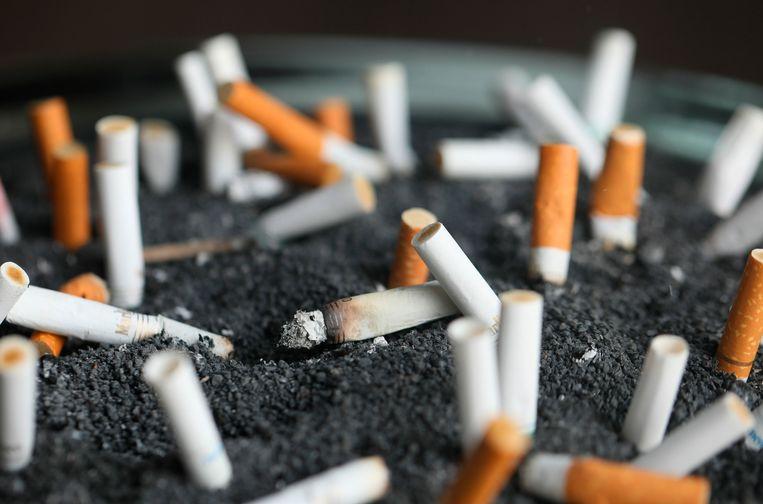 Sigaretten in een asbak