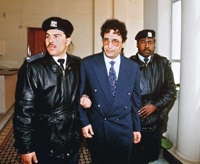 Basset al-Megrahi, verdacht van de aanslag op het PanAm-toestel in 1988, hier op weg naar de rechtszaak in 1992. Beeld anp