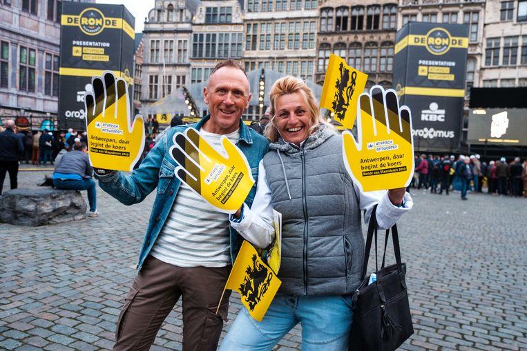 Patrick Cocquyt en Karin Taillie zijn er al vroeg bij in Antwerpen. Patrick tipt op Oliver Naesen.