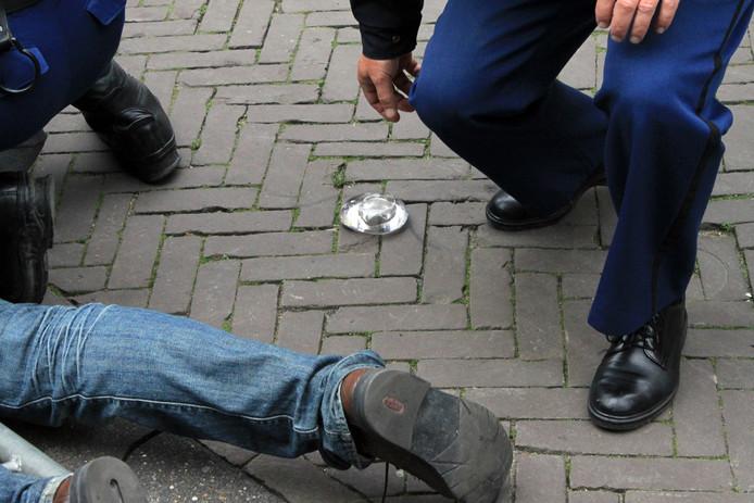 De bewuste waxinelichthouder die in 2010 naar de Gouden Koets werd gegooid.