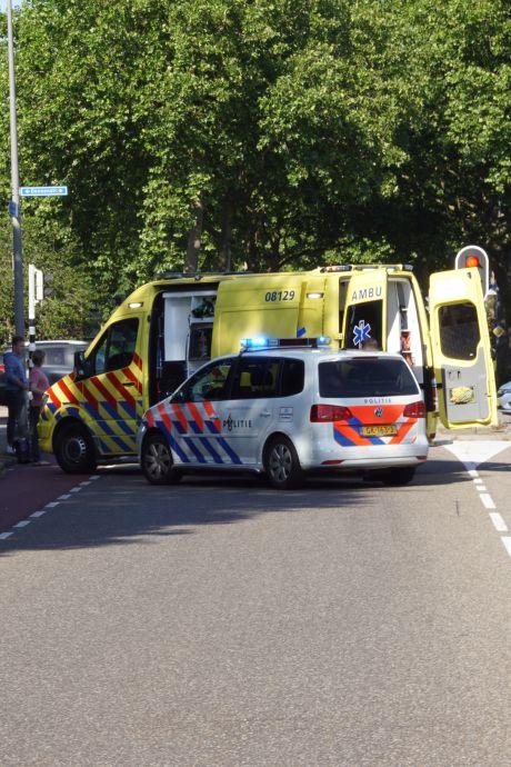 Fietsend meisje aangereden door auto in Nijmegen