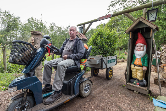 Al dertig jaar stelt Rien van den Hurk zijn tuin De Stal in Sint-Oedenrode open voor publiek.