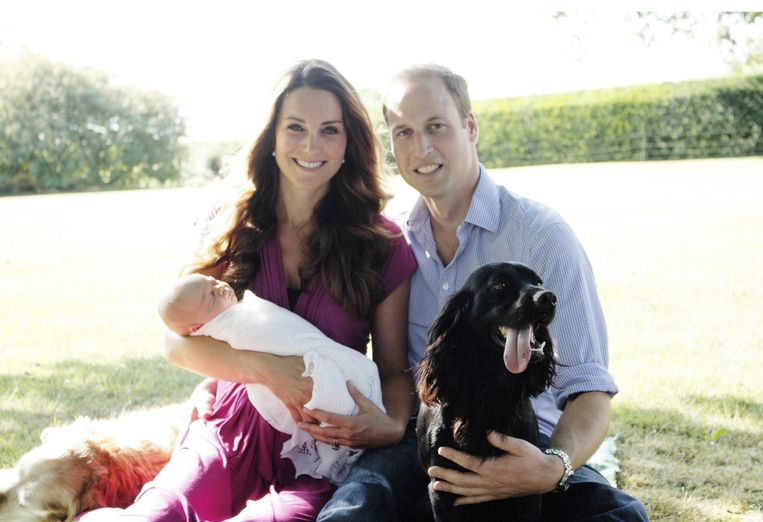 Prince George en Tilly de retriever (de hond van de Middletons) en Lupo.
