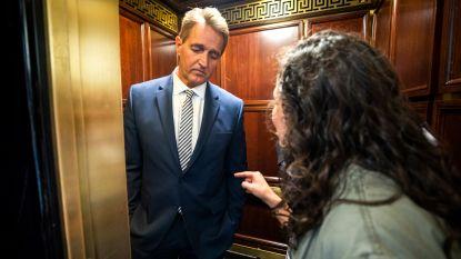 """""""Heeft die vrouw in de lift Amerika gered?"""": senator wijzigt stem over Kavanaugh na confrontatie met slachtoffers seksueel misbruik"""