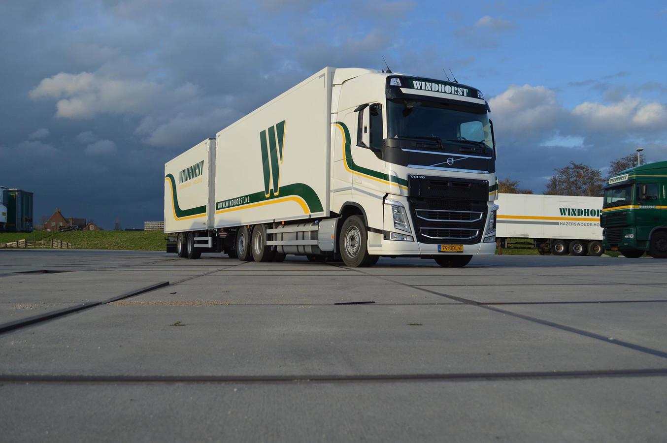 Een truck van Windhorst Transport uit Hazerswoude-Dorp.