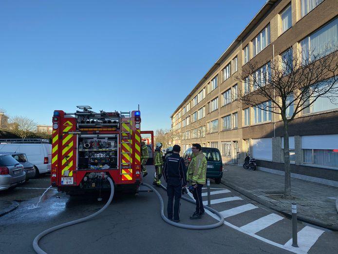 De brandweer had de situatie in de Hobokense Waaslandstraat snel onder controle.
