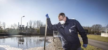 Radboud (49) uit Wierden kan aan afvalwater zien dat het rustig is op straat