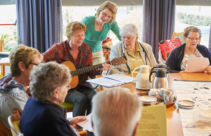 video: venhorst pioniert met activiteiten voor ouderen | boekel | bd.nl