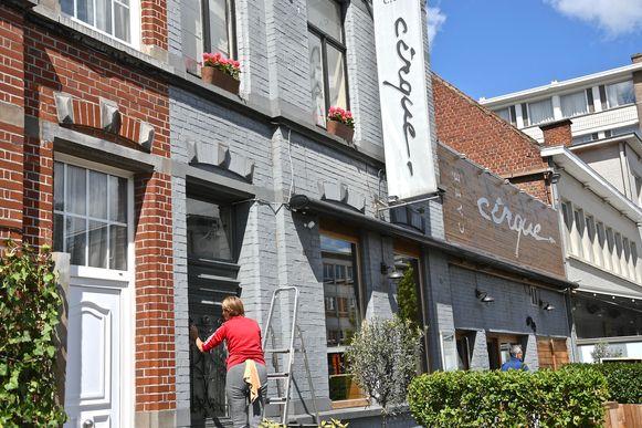 Café Cirque kreeg net voor de heropening nog een grondige poetsbeurt.
