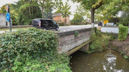 Bredere koker onder Berchemweg moet wateroverlast rond Maarkebeek voorkomen