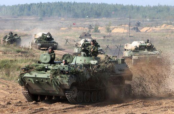 De operatie-Zapad, legeroefeningen op de grens met Europa, werden met argusogen bekeken door de NAVO. Provocatie, zeiden velen.