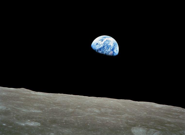 De Earthrise-foto toonde de aarde voor het eerst vanuit kosmisch perspectief. Beeld NASA
