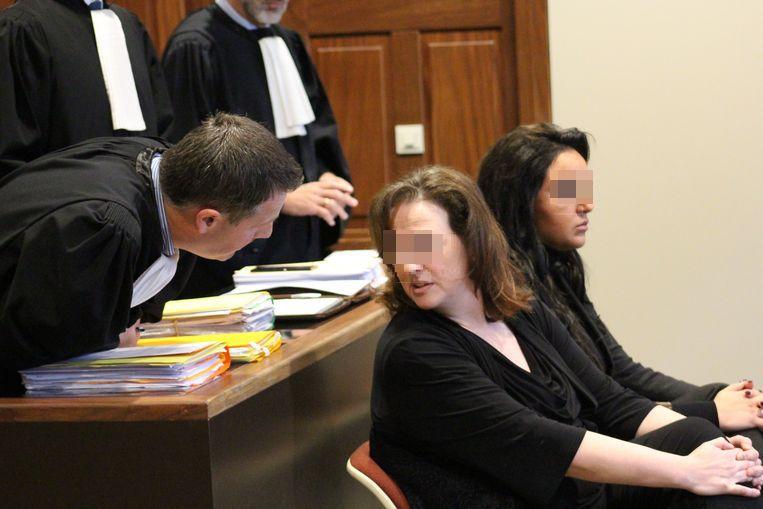 Carine B. en dochter Sherlyn D. verschenen samen voor de rechter.