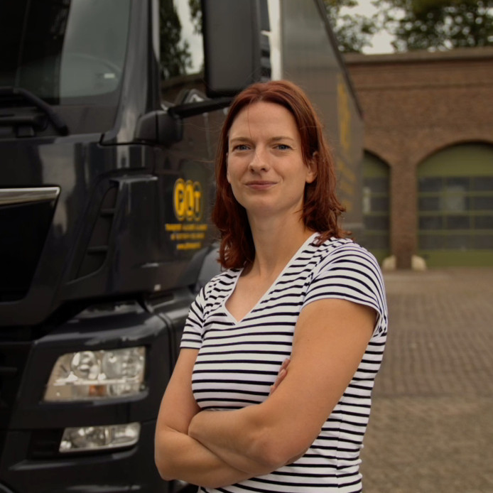 Christien Verkooijen is nu twee jaar vrachtwagenchauffeur en zou niet anders meer willen.