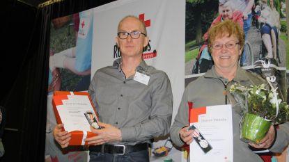 Zilveren eretekens voor vrijwilligers Rode Kruis