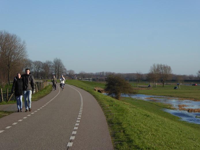 De versterking van de Lekdijk Oost bij Jaarsveld wordt gecombineerd met de ontwikkeling van recreatieterrein Salmsteke.