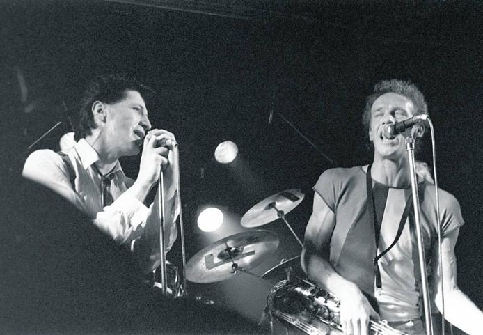 Herman Brood en Bertus Borgers in De Effenaar in 1982. foto Peter Cox