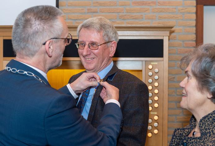 Lulof Dalhuisen kreeg vandaag een Koninklijke onderscheiding opgespeld.