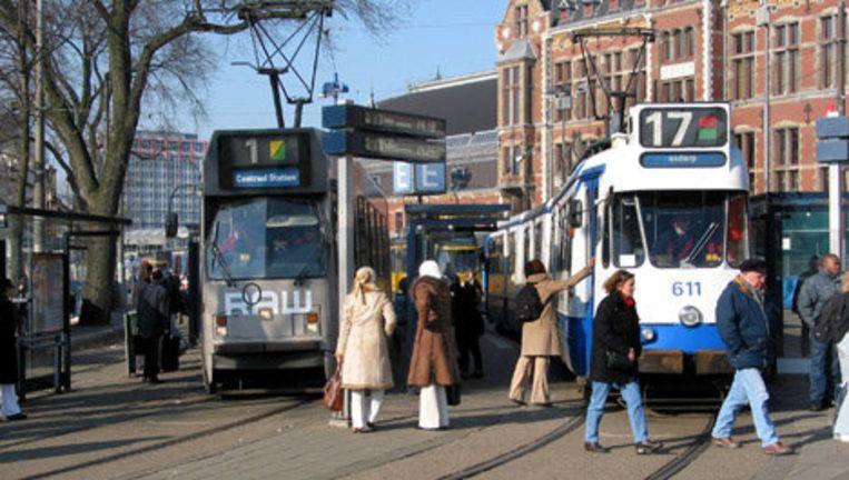 In de regio Amsterdam vindt woensdag en donderdag een grote handhavingsactie plaats. Verscheidene instanties controleren of burgers en bedrijven zich aan de regels houden. Foto ANP Beeld