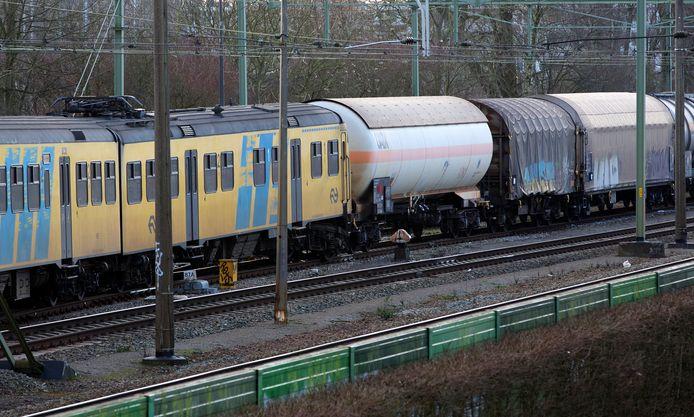 Een goederentrein en een passagierstrein botsten in Tilburg op elkaar in 2015