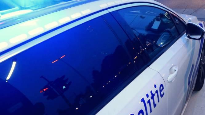Inbrekers vernielen raam van garage