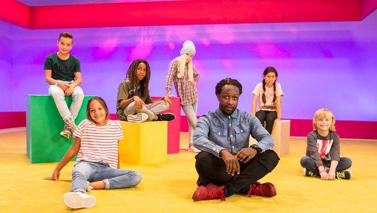 Rapper Akwasi helpt kinderen te 'rechillen'. Beeld Lilian van Rooij