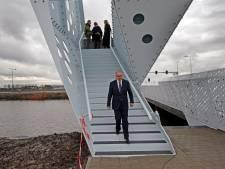 Burgemeester Aboutaleb opent nieuwe Hellevoetse brug